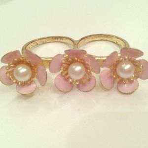 Jewelry - Tiny Flower and Pearl Multi-Finger Ring HOST PICK