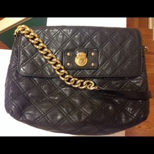 ce36533e0ee1 Marc Jacobs Bags - Marc Jacobs quilted leather chain handbag