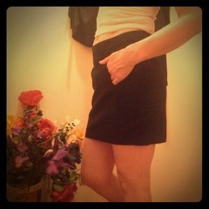 Editor Pick: Zara Basic Black Pencil Skirt