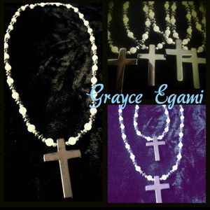Jewelry - Hematite & Pearl Cross Necklace