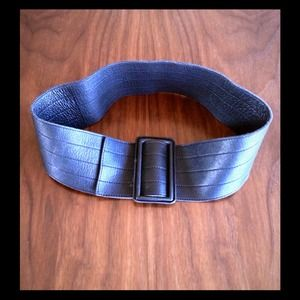 Accessories - 🎀Beautiful $125 Theory Gunmetal/Black Belt -OS