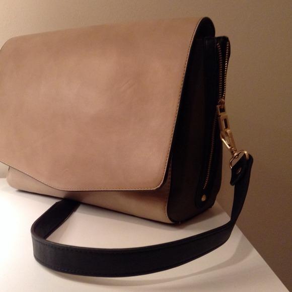 8af5b29895 Zara Basic Leather Handbag. M_52bcde7d21bf8d7f6f04e0aa