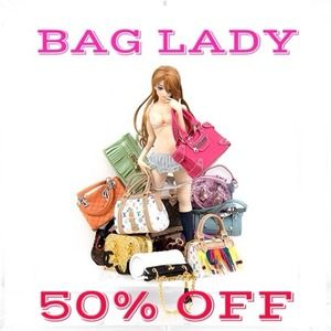 THE BAG LADY!!! 😉💼👝👛👜
