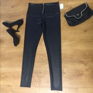 **REDUCED*Faux Leather Leggings