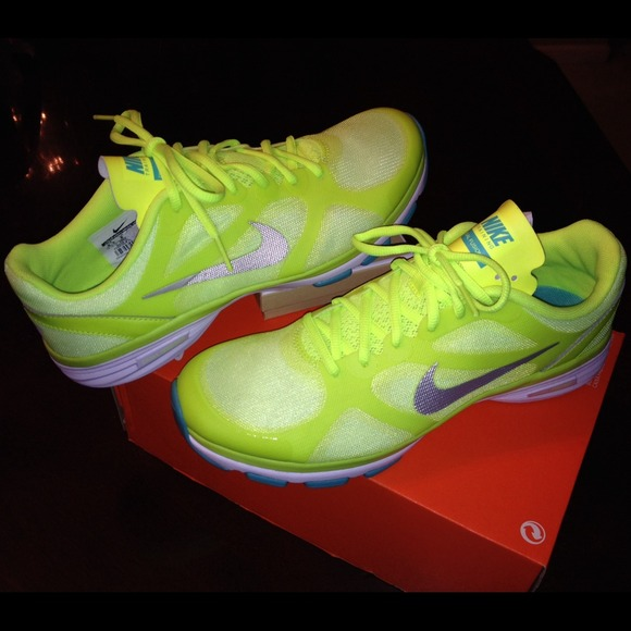 5a08766e9b88ee ⭐️NIKE Dual Fusion TR Breathe Sneakers