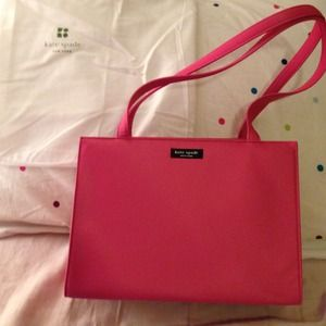 Host pick! Lovely, authentic NWT Kate Spade bag.