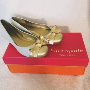 kate spade Shoes - 🌻 HOLD 🌻 KATE SPADE 💗 GOLD AND WHITE BOW FLATS