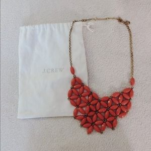 J. Crew Jewelry - J. CREW 💗 CORAL COLORED STATEMENT NECKLACE