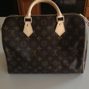 Louis Vuitton monogram speedy 30 (Just sharing)