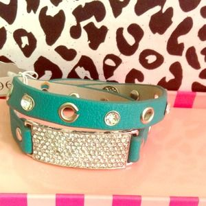 Reduced NEW! Rhinestone leather wrap bracelet