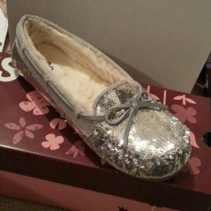 Shoes - SO sparkly moccasins