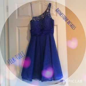 Dresses & Skirts - ADRIANNA PAPELL EVENING GOWN SIZE 4 <<reduced>>
