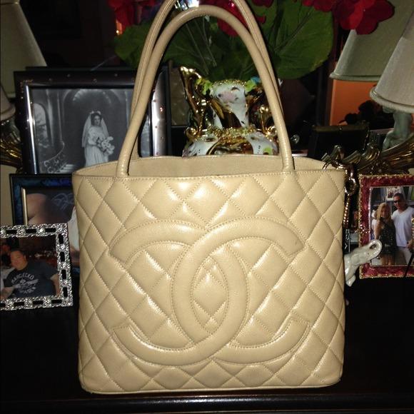 b587122fac7e CHANEL Bags | Holiday Sale Authentic Medallion Tote | Poshmark