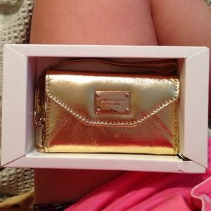 Michael kors wallet clutch! Gold, I phone 4!