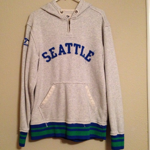 buy online 6e487 b97ca Seattle Seahawks vintage style hoodie
