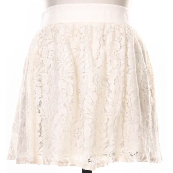 Dresses & Skirts - ❗LAST ONE❗New Cream Flower Lace Skater Skirt 2