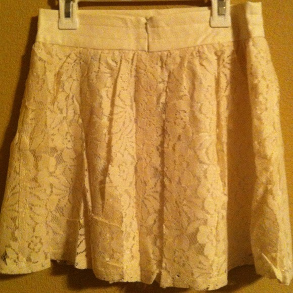 Skirts - ❗LAST ONE❗New Cream Flower Lace Skater Skirt