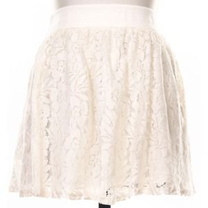 Skirts - ❗LAST ONE❗New Cream Flower Lace Skater Skirt 2