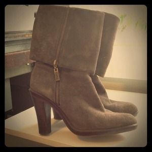 Amazing Michael Kors brown suede boots!