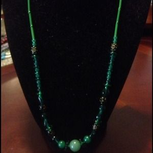 Jewelry - Green necklace