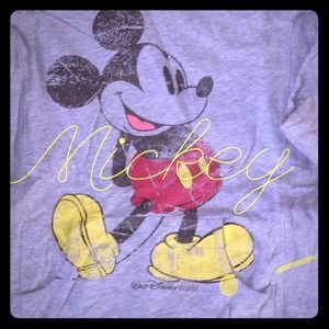 Mickey light weight sweatshirt ⭐️