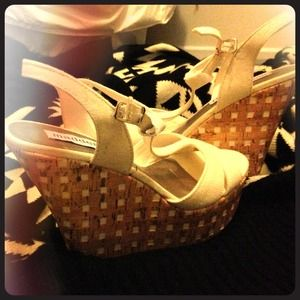 8.5 Steve Madden Wedges