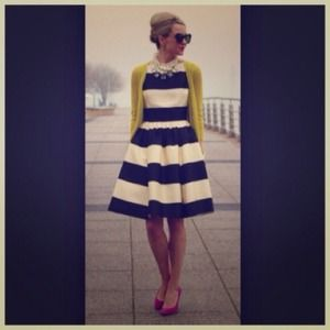 Dresses & Skirts - LAST ONE French Chic B&W Striped Jersey Dress
