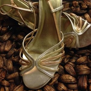 Merona tri colored gold wedges