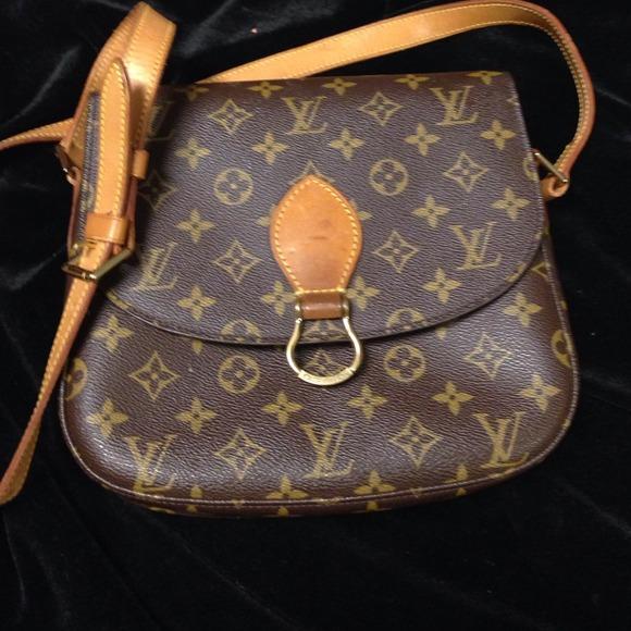 d198896b141b Louis Vuitton Handbags - Reduced Louis Vuitton Crossbody 💗💗