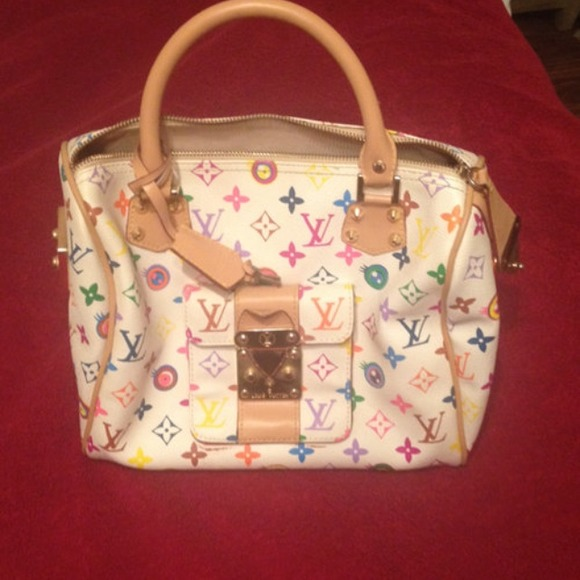 Louis Vuitton Handbags - Louis Vuitton Eye Love You Bag 597b5d1691