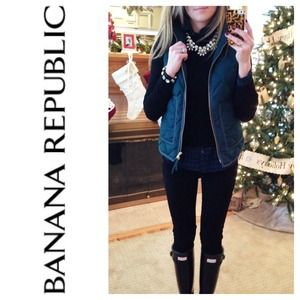 Banana Republic Sweaters - 💢SOLD💢 Banana Republic Extra Fine Merino Sweater