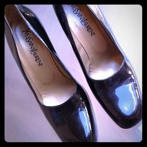 "ReducedYves Saint Laurent 4"" black patent"