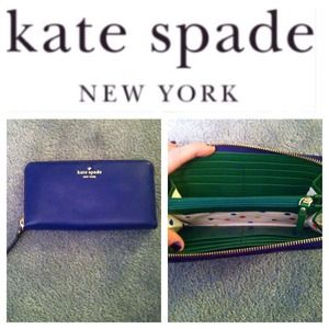✨HOST PICK✨ authentic Kate Spade wallet