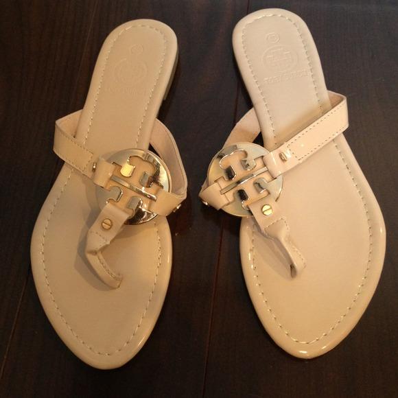 3de369e3a18dd1 Inspired Tory Burch patent leather tan sandals. M 52c83e234c47c0248b1ca318