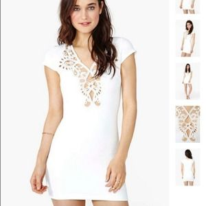 Nasty Gal Dresses & Skirts - Stunning little white dress
