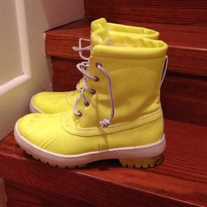 Sperry x Jeffrey neon yellow snow boots size 9