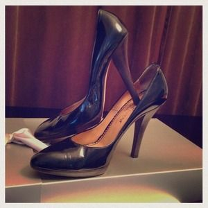 Yves Saint Laurent Shoes - ❗SALE❗Yves Saint Laurent Black Patent Pumps 38.5