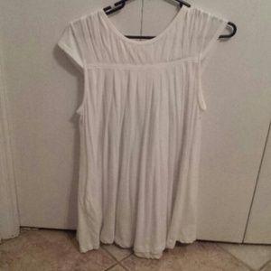 White dress/top