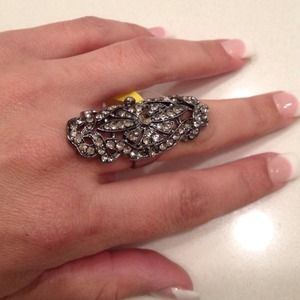 Jewelry - Fashion silver adjustable one size fits all ring.
