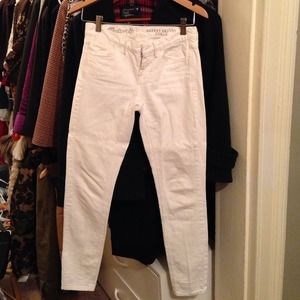 ✨SALE!✨White MADEWELL skinny ankle cut jeans