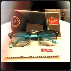 Chic Ray Ban Sunnies!!