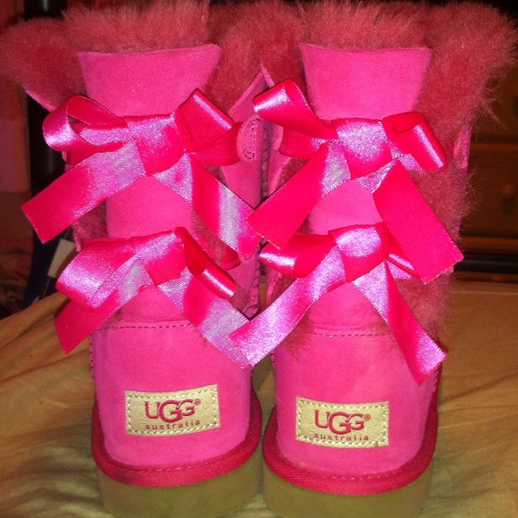pink bailey bow uggs cheap