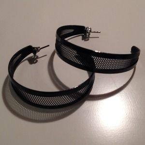Jewelry - Black mesh hoop earrings with post back