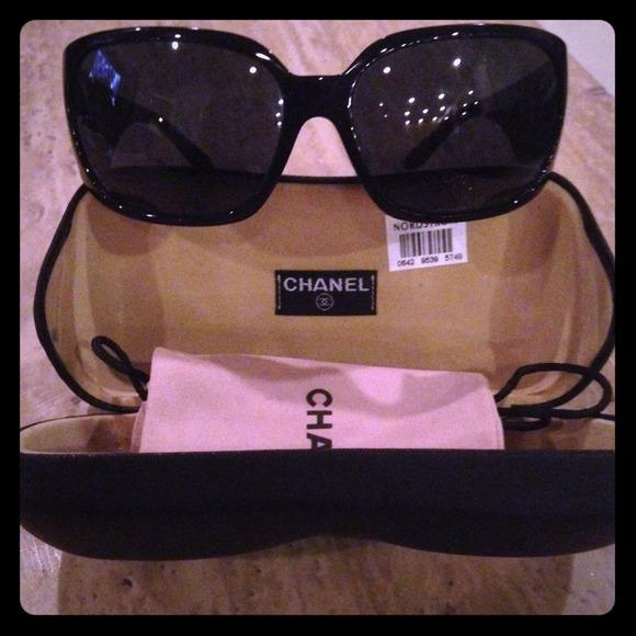 66eb0c7279f60 Authentic CHANEL 5080B Black Swarovski Sunglasses