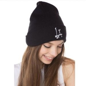 Brandy Melville Accessories - *NEW* LA Bones Beanie 2
