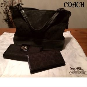 SALE TODAY🎉HPx2🎉 Black Coach Bag w/Leather Trim