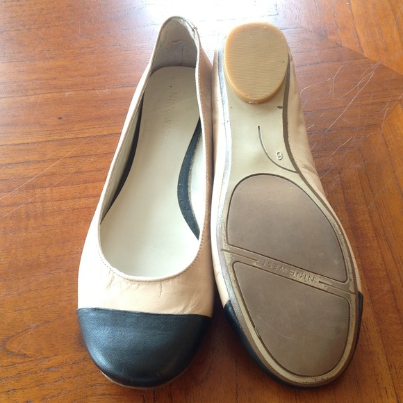Nine West Shoes - ⬇️REDUCED. 9 West toe cap flats. Nude/black Sz 6.