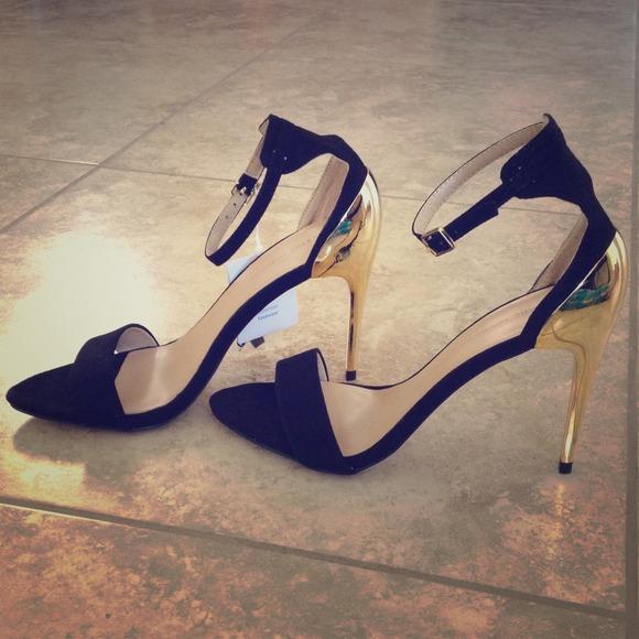 2f8fc4770 Zara Shoes | On Holdnwt Strappy Heels With Gold Heel | Poshmark