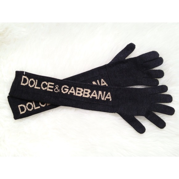 Dolce & Gabbana Accessories - 🌸SALE! -- ✨HP!✨ D&G charcoal grey wool gloves!