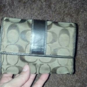 Pre-owned Coach authentic trifold wallet